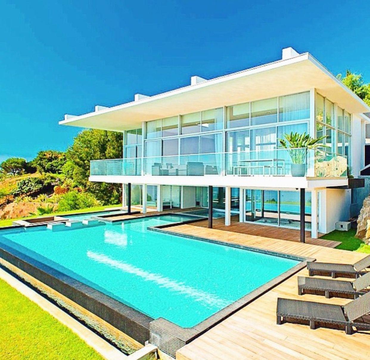 Imagem de Luxurious Outdoor Living por Doris Diaz | Casas ... on Luxo Living Outdoor id=11324