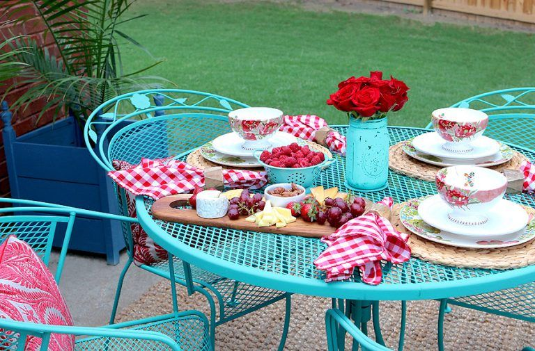 How To Paint Wrought Iron Patio Furniture With Chalk By Annie Sloan