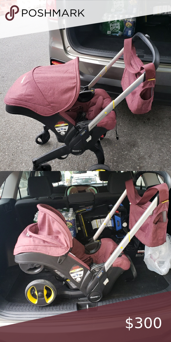 Doona Car seat/ stroller along w the Matching bag in 2020