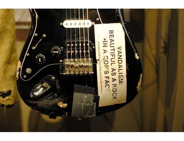 Kurt Cobains Fender Vandalism Stratocaster Reviews Prices – Kurt Cobain Wiring Diagram