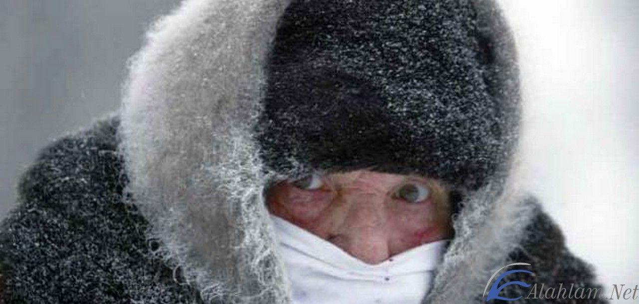 تفسير رؤية حلم الشعور بالبرد في المنام ابن سيرين الشعور بالبرد حلم الشعور بالبرد Winter Hats Winter Hats