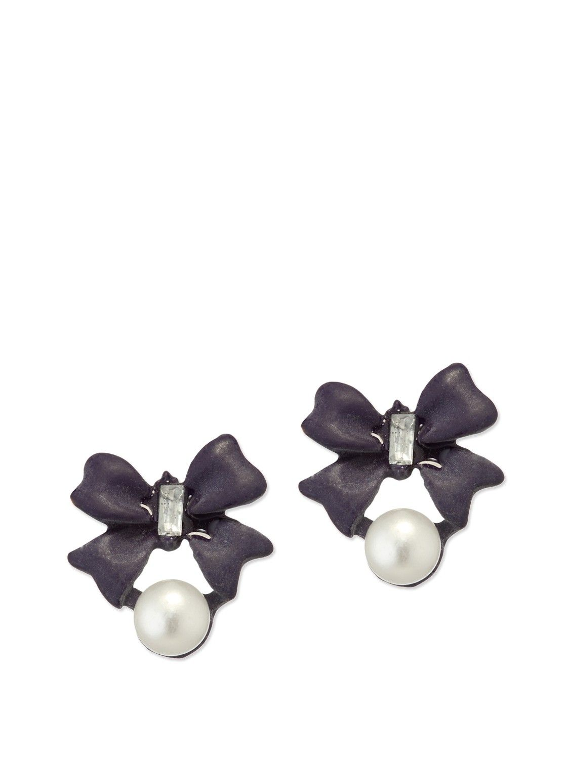 Feel perfectly feminine in this pair of oversized bow studs!