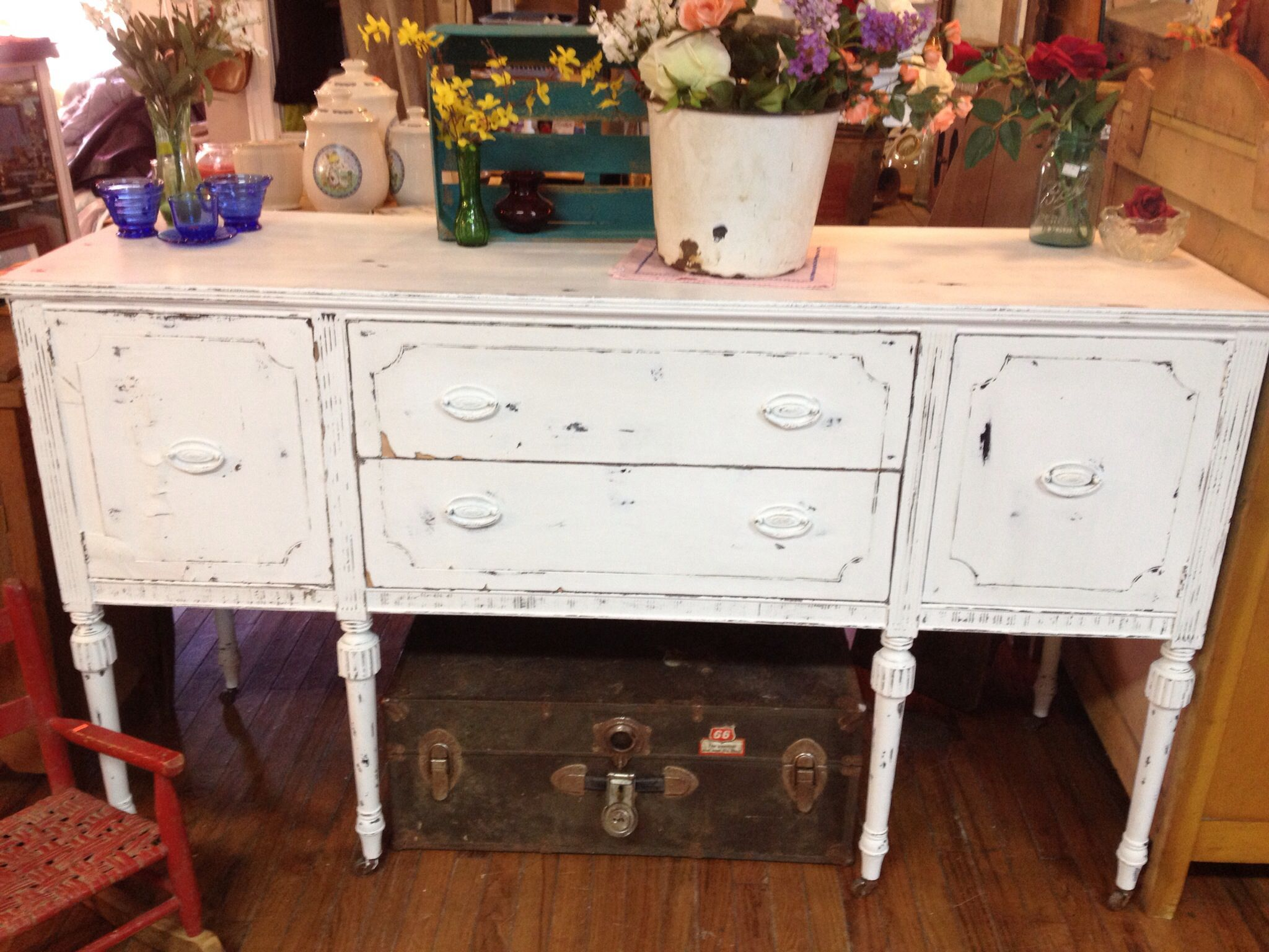 Beautiful buffet with white chalk paint followed by a coat of clear wax. Sold in record time!!!
