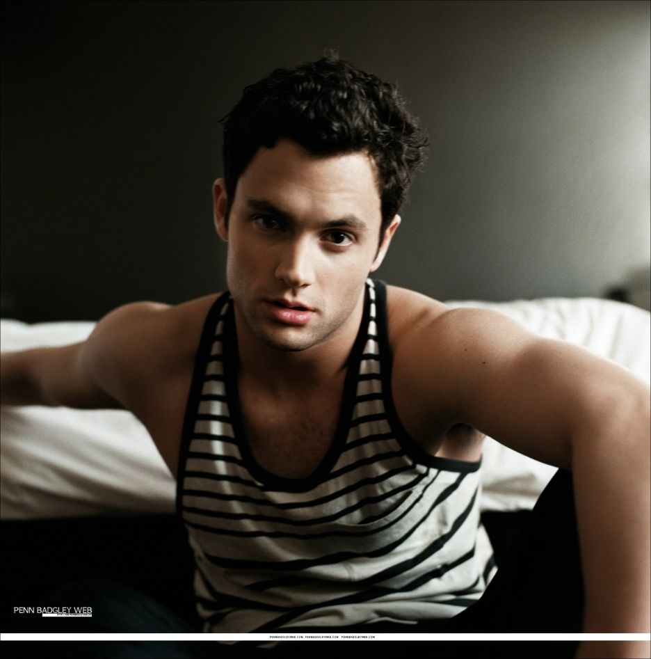 He makes Gossip Girl Worth watching :)
