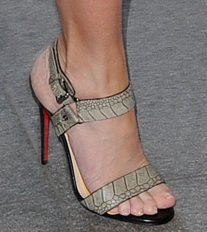 27e0d5ebad03 Emily Blunt in Christian Louboutin  Sova  sandals