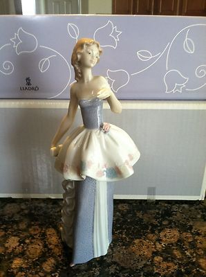 Lladro Woman Going to the Ball