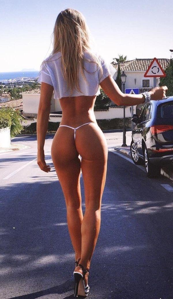 high school girls nice butt