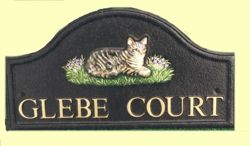 Phenomenal An Arch Top Style House Sign With A Raised Laying Cat And Home Interior And Landscaping Synyenasavecom