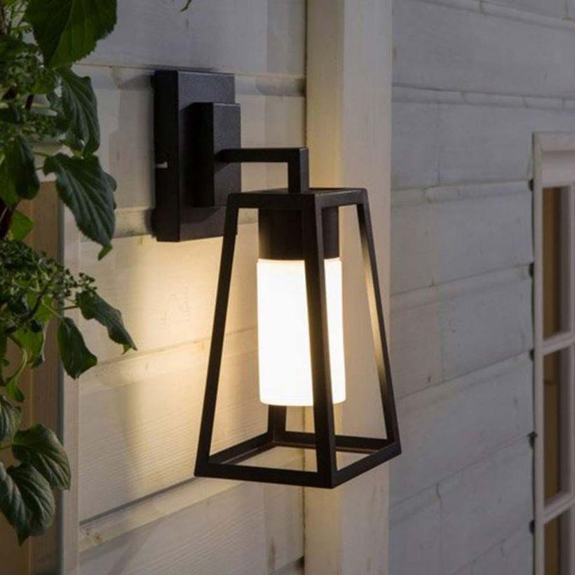 Applique Exterieure Murale En Metal Noir Et Verre Hudson Inspire Eclairage Exterieur Luminaire Exterieur Eclairage Exterieur Terrasse