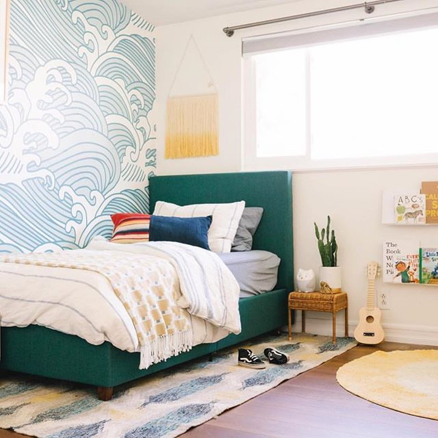 Best Happy Green Blue And Yellow Surf Themed Kids Room With 400 x 300