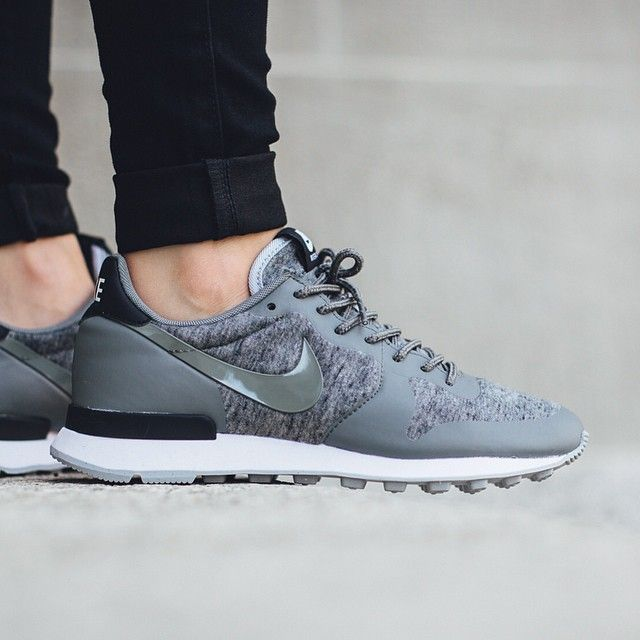 super popular 9db56 49ed7 Nike Wmns Internationalist Tech Fleece  Tumbled Grey Tumbled Black