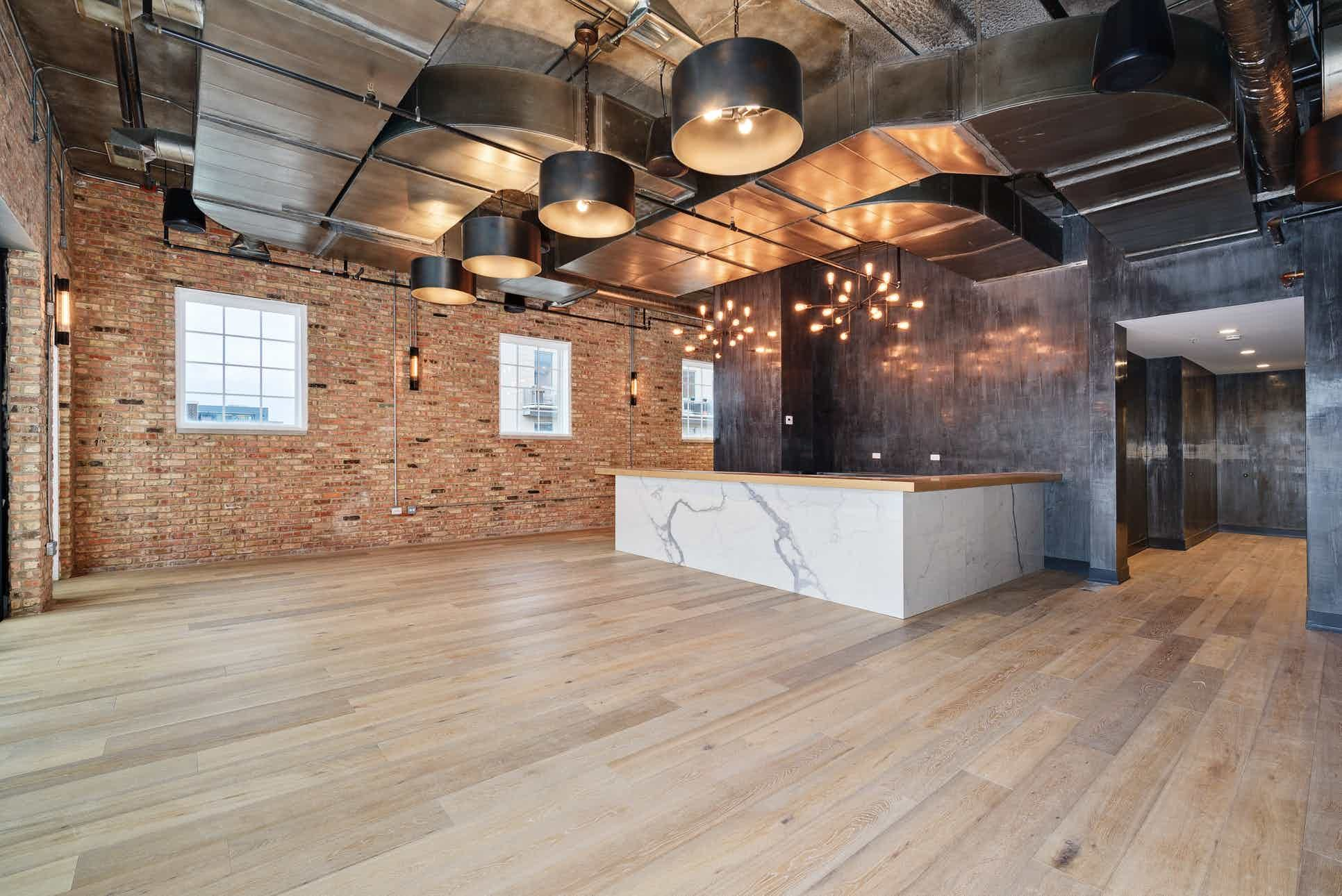 See Loft Lucia A Beautiful Downtown Chicago Wedding Venue Find Prices Detailed Info And Photos For Illino Event Space Design Event Venue Design Event Space
