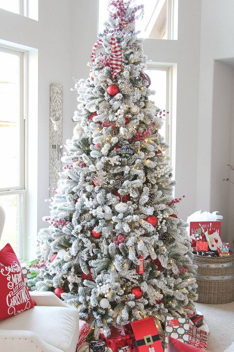 Beautiful 9 Foot King Flock Christmas Tree Thank You Jesshogancrum For The Beautiful Realistic Christmas Trees Frosted Christmas Tree Flocked Christmas Trees