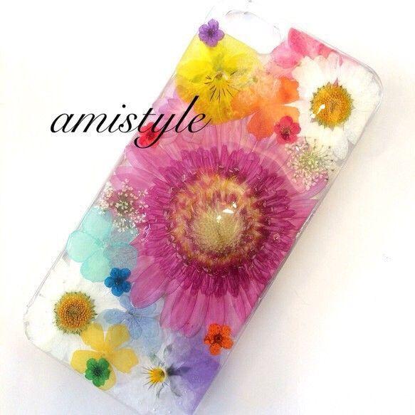 iPhone5/5s対応です♡※ハンドメイドということをご理解できる方のみご購入お願い致します(*^^*)※お花は紫外線に弱いのでなるべく日光を避けてご使用く...|ハンドメイド、手作り、手仕事品の通販・販売・購入ならCreema。