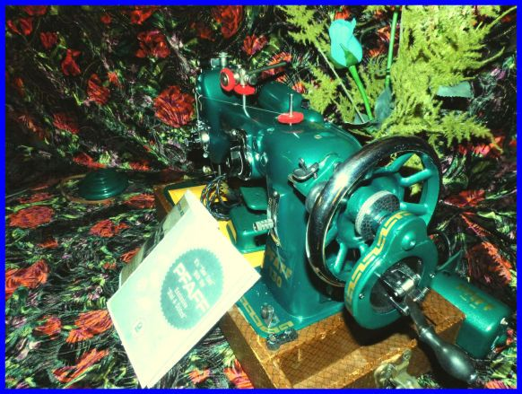 ZEUSMACHINES Home Antique sewing machines, Home