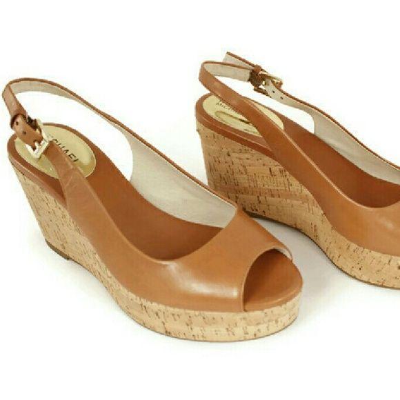 5e2d9272503a Michael Kors Natalia Leather Platform Sandals 7M