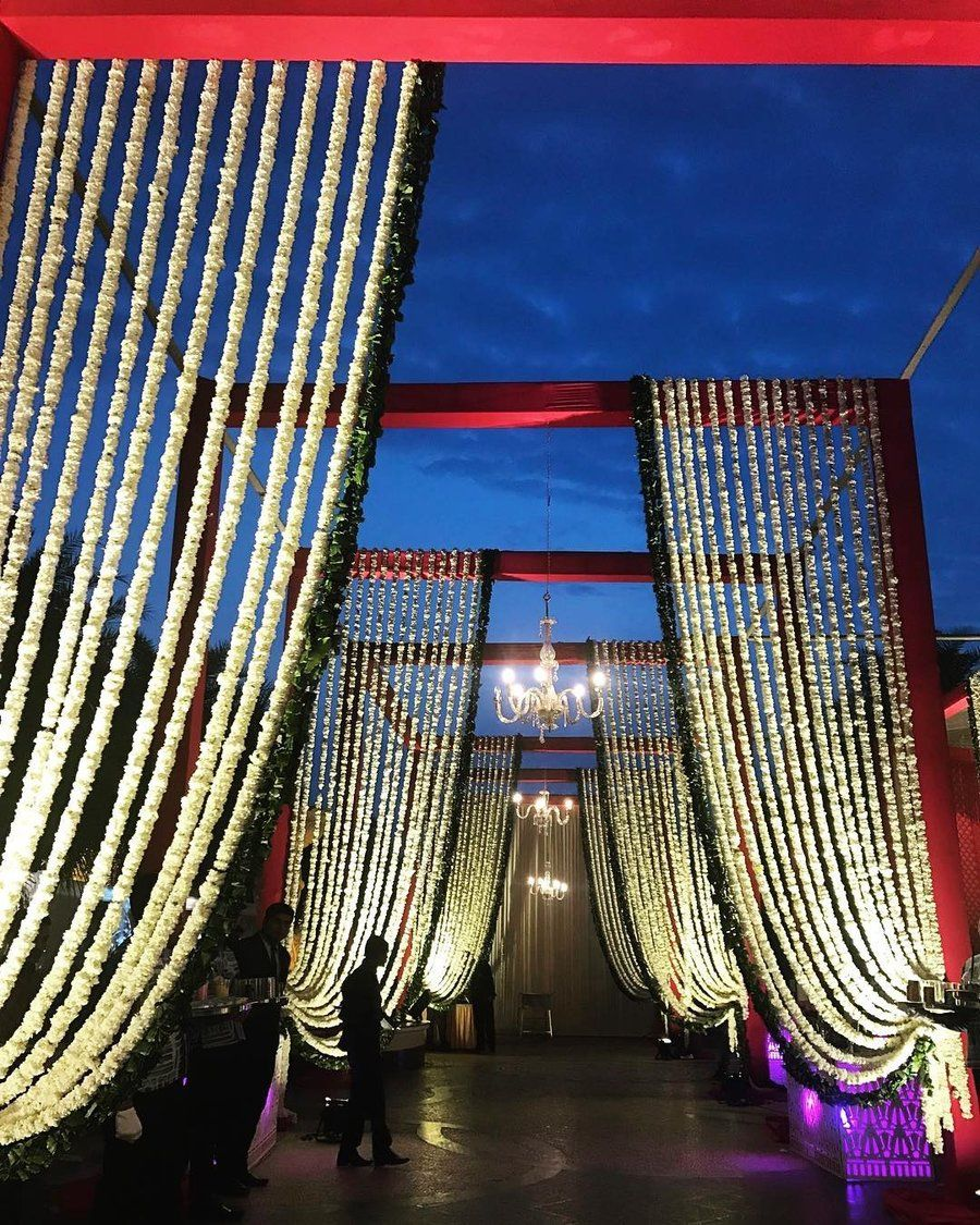 Church Wedding Decorations Ideas For Your Wedding In Italy: 25+ Magical Entrance Decor Ideas To Quirk Up Your Wedding