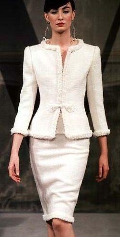 grande descuento venta Precio pagable fotos nuevas Valentino traje 2 piezas. Dress   Fashion   Trajes elegantes ...