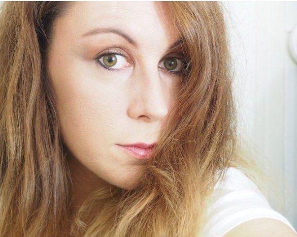 Mes premières impressions de la palette @nyxcosmetics_france Ultimate . J'espère que vous avez passé un bon lundi. On commence la semaine avec un plaisir de se maquiller. RDV sur ma chaîne Youtube>> Quotidiennedele pour découvrir mon make up issue de la palette   #bienetre #makeup #maquillage #beaute