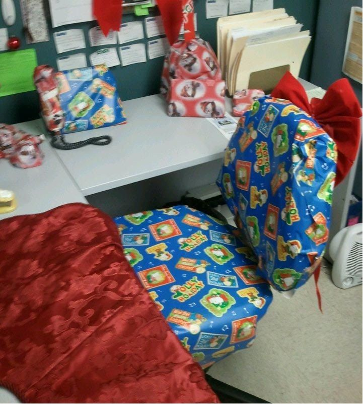 Gift Wrap Everything On Your Co Worker S Desk Including The Chair Gifts Gift Wrapping Wrap