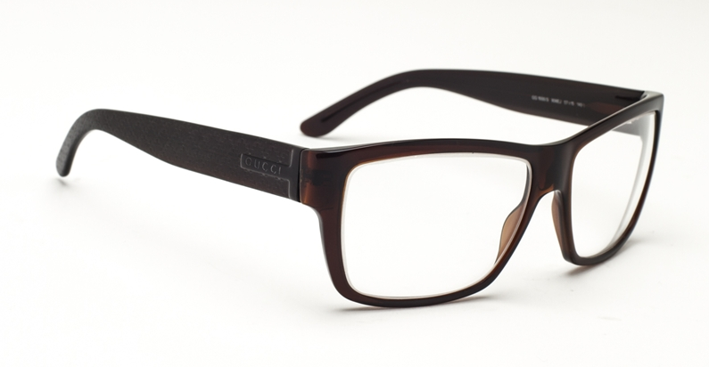 f6dc589ea25 The Gucci 1000 S frame is a classic rectangular frame in lightweight  acetate for comfort