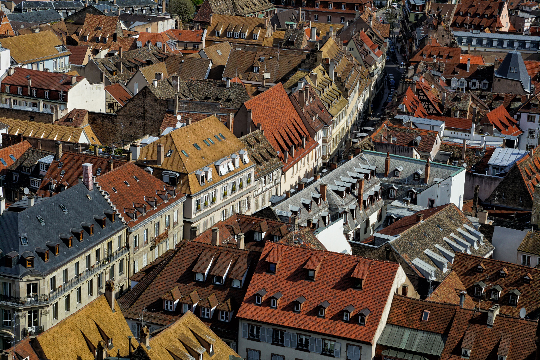 Architecte Bas Rhin different colors of alsatian roof tiles strasbourg france