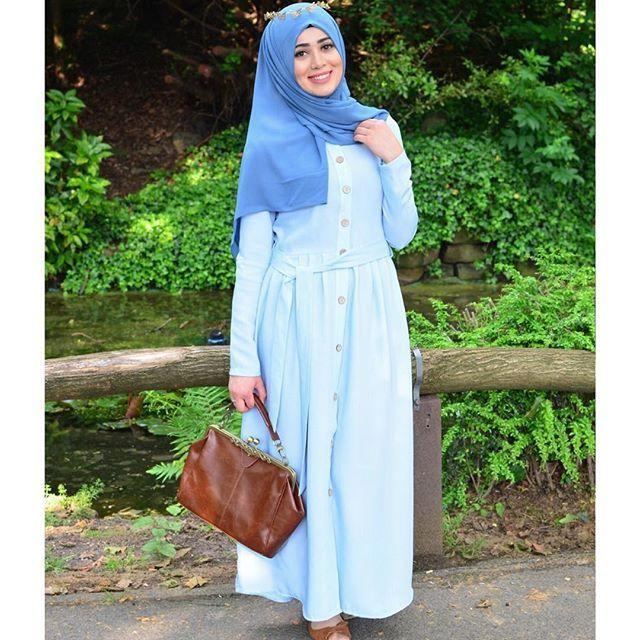 Mein süßes Kleid habe ich von @clsema_yurtdisi 😇 Elbisem icin @clsema_yurtdisi 'na danisin kizlar 💎  mehr auf @leyluenehar