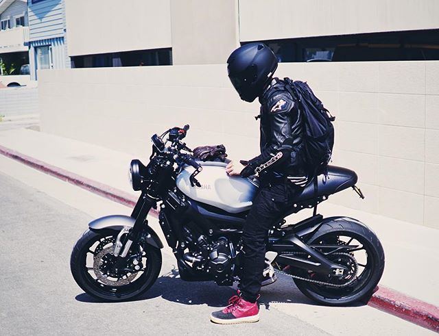 Time to outrun this June gloom  @kincreible #xsr900 #motodemic…