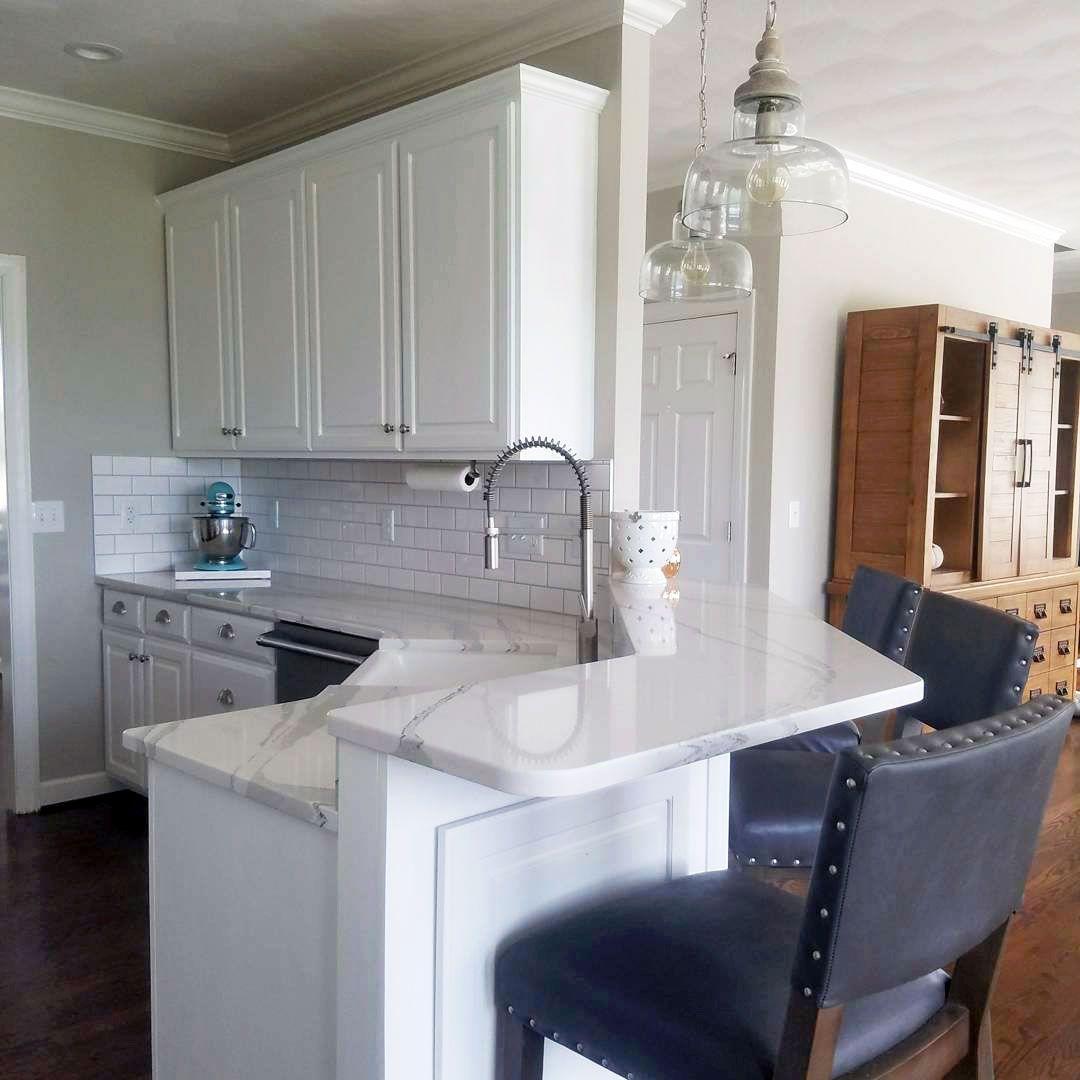 Snow White Kitchen Cabinets Kitchen Cabinets Chic Kitchen Shabby Chic Kitchen Cabinets
