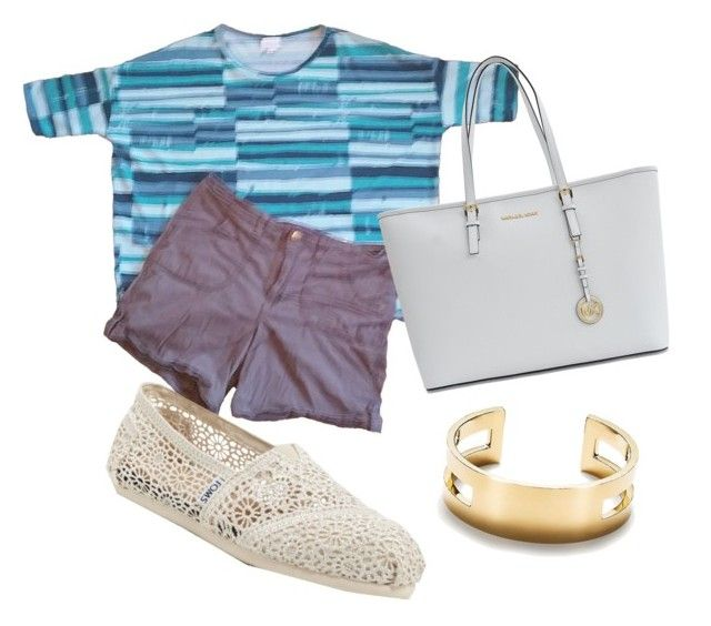 A LuLaRoe Irma tunic pairs well with a simple pair of shorts. Run errands or go out for lunch with friends by slipping on a pair of TOMS with a cute bracelet and bag.