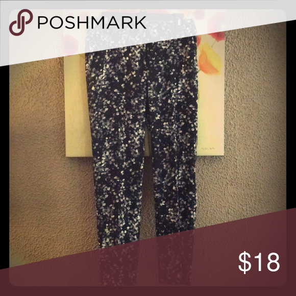 Ann Taylor Pants Ann Taylor pants are so adorable. They are light and summery. Ann Taylor Pants Ankle & Cropped