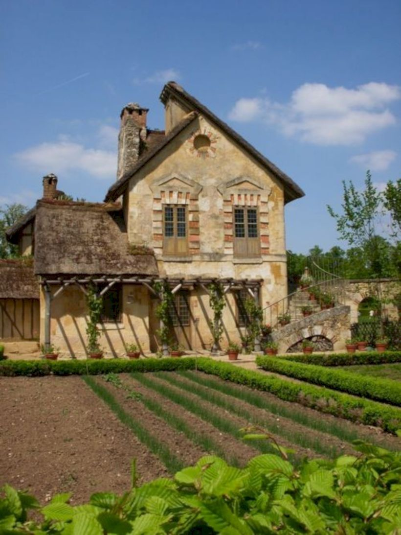 Homeridian Com Nbsphomeridian Resources And Information French Country House French Farmhouse French Countryside