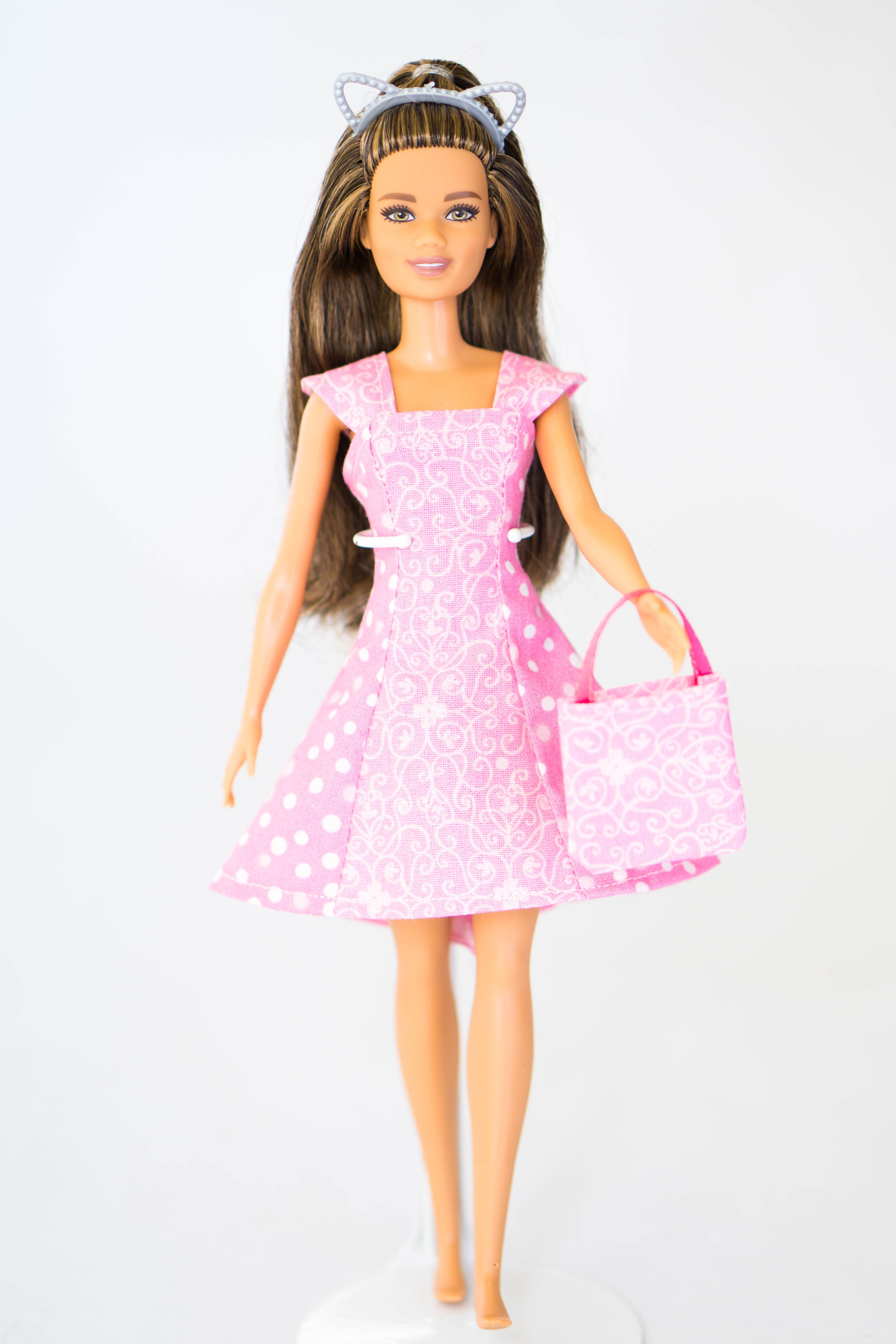 Fun Pink Princess Gown with Sleeves Made to Fit the Barbie Doll Dolls & Bears Clothing