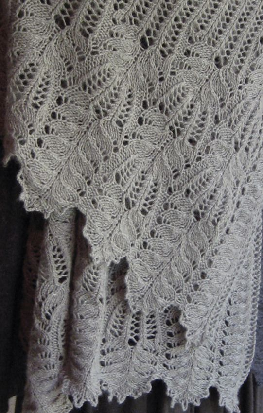 picot cast on with Frost Flowers stitch creates a flower at hem ...