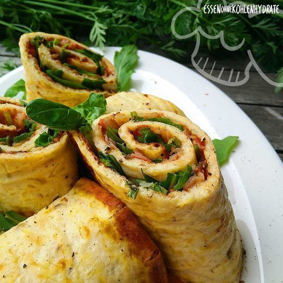 Low carb recipe for a delicious low carb pizza roll. Little carbohydrates & a ... - kohlenhydrate rezepte Low carb recipe for a delicious low carb pizza roll. Little carbohydrates & a