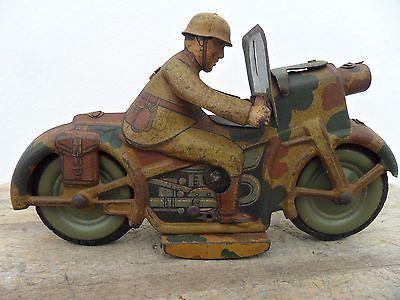 Dvě plechové válečné hračky motorek - 1