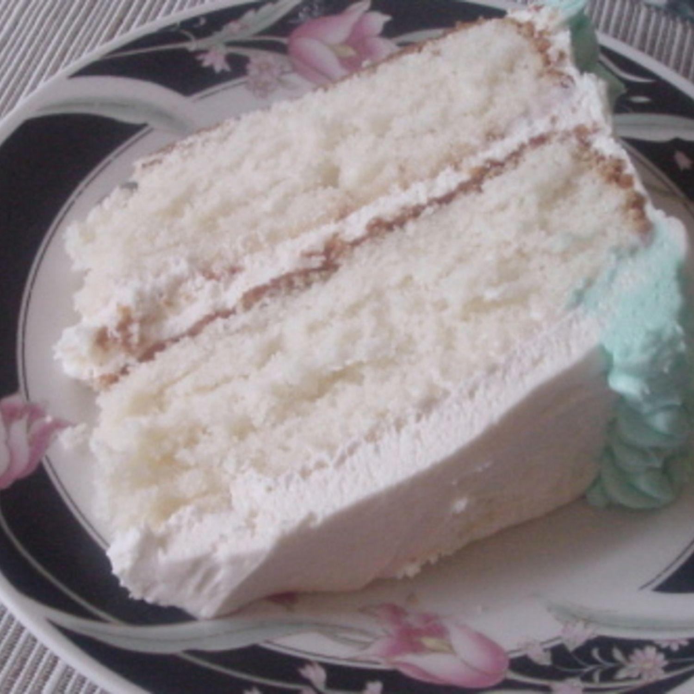 Super Moist White Cake Recipe Moist white cakes White cakes and