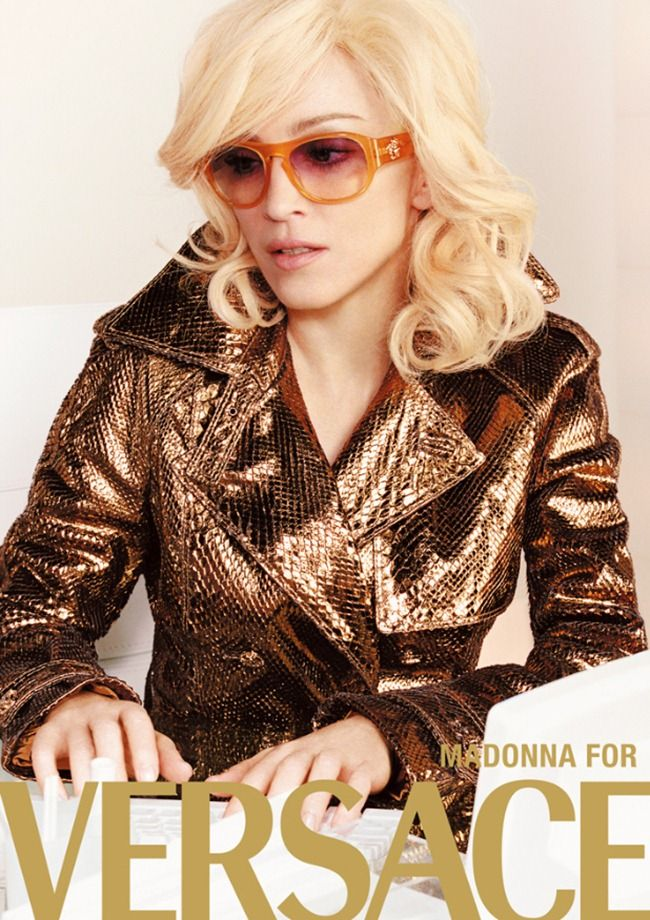 71d78f55a2 VERSACE - Madonna was lensed by Peruvian photographer Mario Testino -  Spring 2005