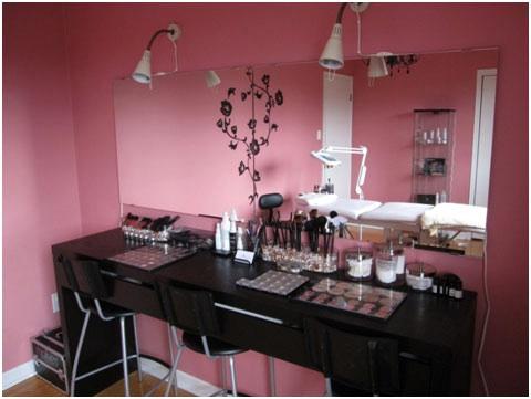 cute make up table setup Beauty room, Makeup studio