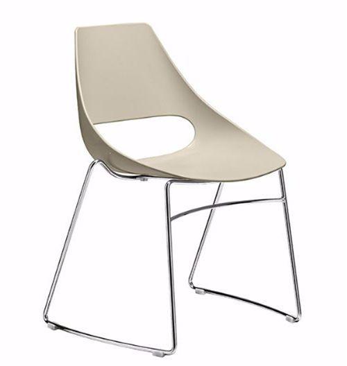 Silla pat n en pl stico y metal para restaurante sillas for Sillas comedor plastico