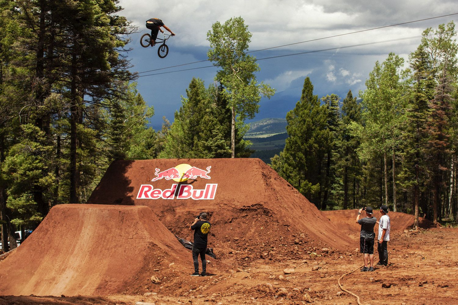 the 2013 red bull dreamline competitors take to the course for one