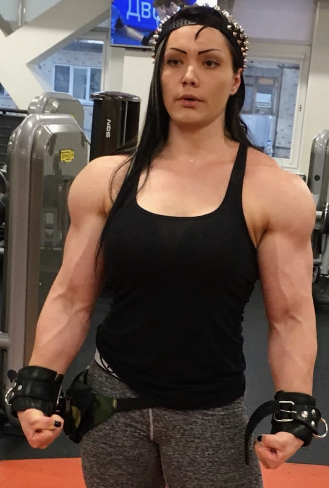 Women with tits at training