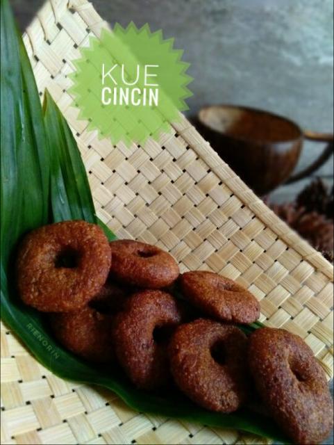 Resep Cara Membuat Kue Cincin Lembut Dan Enak Kue Cincin Adalah Panganan Tradisional Khas Jawa Barat Yang Bentuknya Menyerupai Dona Kue Resep Kue Ide Makanan