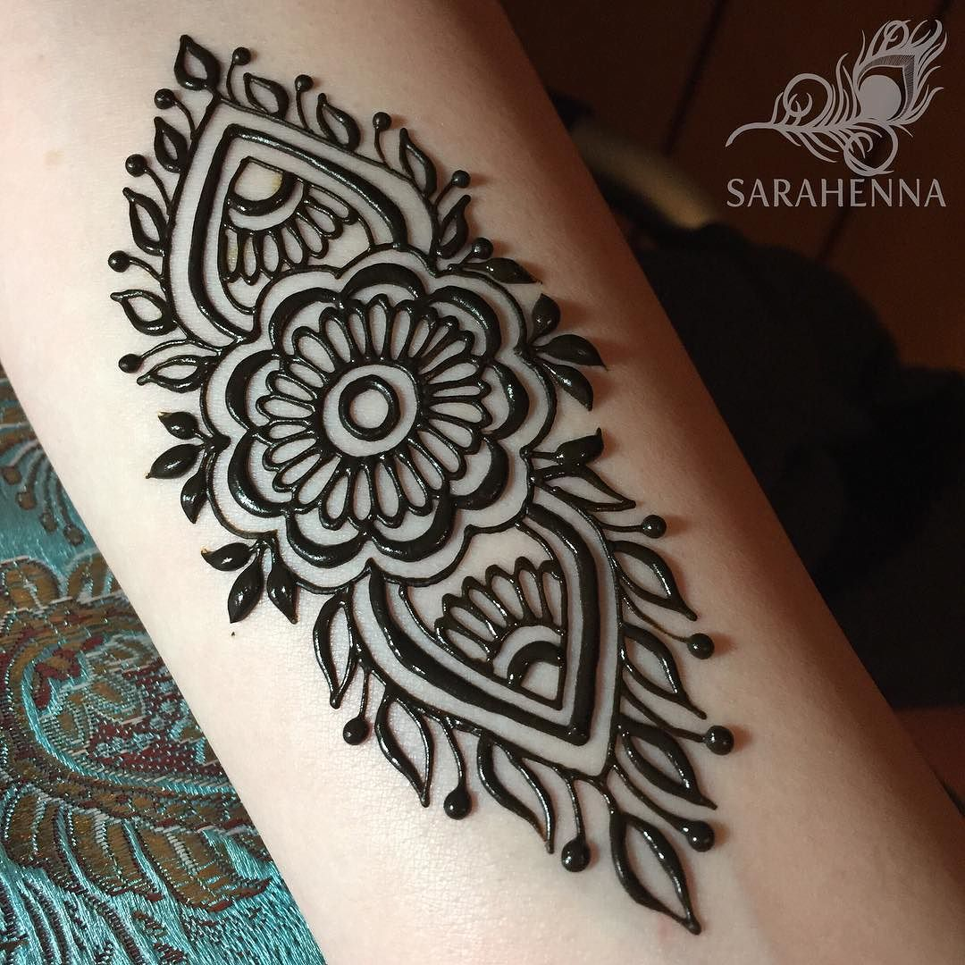 Easy Henna Tattoo Forearm: Pinterest // @alexandrahuffy ☼ ☾