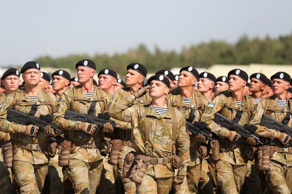 Вражаючі фото українських військових, які готуються до ...