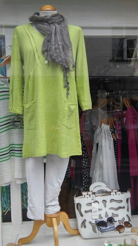 Adini tunic & cropped ruched leggings