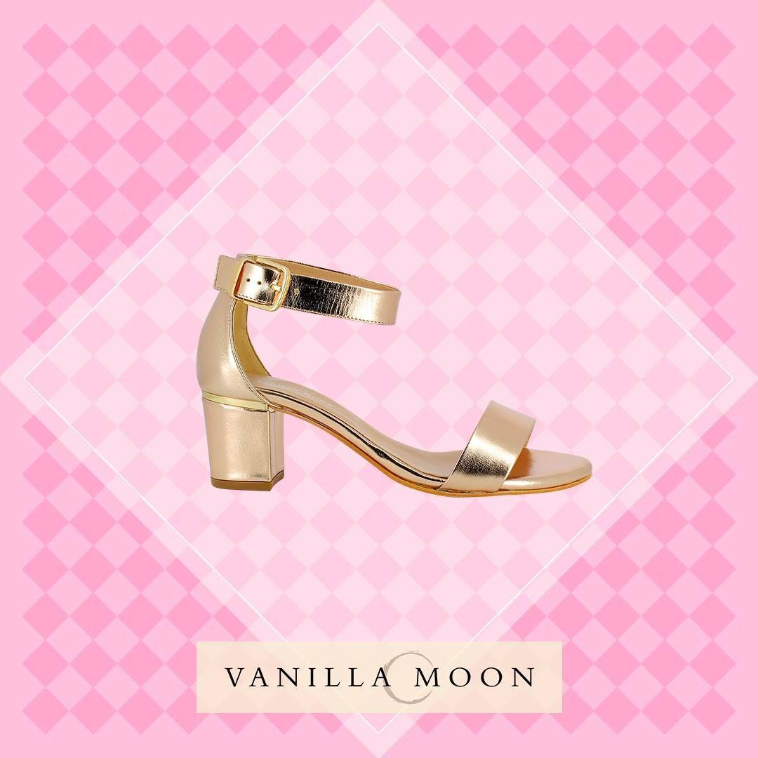 Take on the world in these classy block heels! #VanillaMoon #VanillaMoonShoes #BlockHeels
