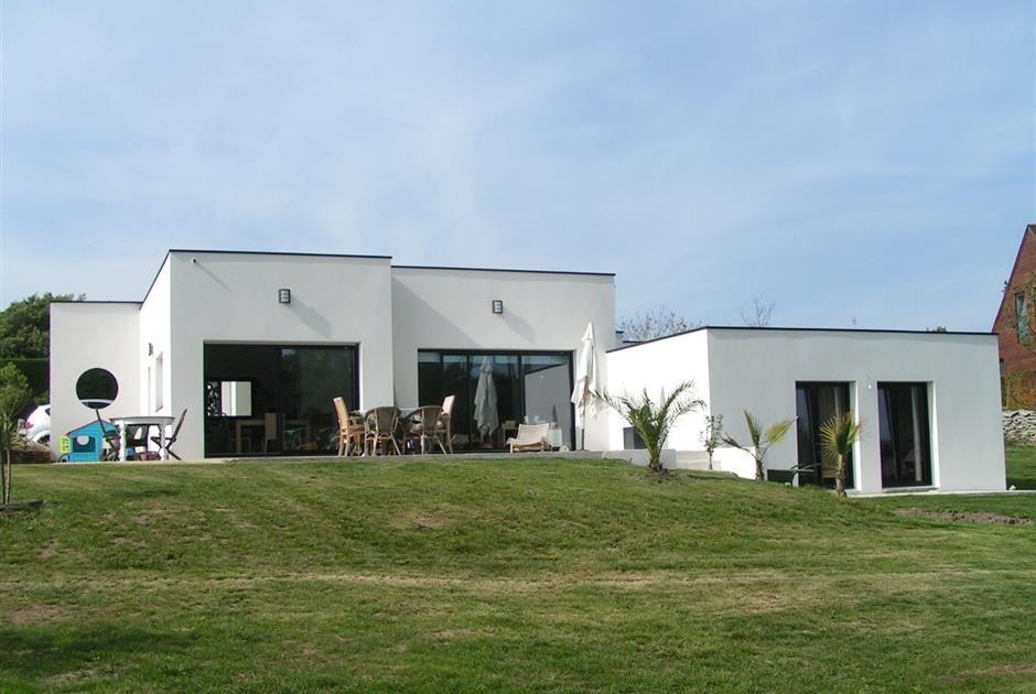 maison en demi niveau a plobannalec terrain pente niveau pinterest construction maison. Black Bedroom Furniture Sets. Home Design Ideas
