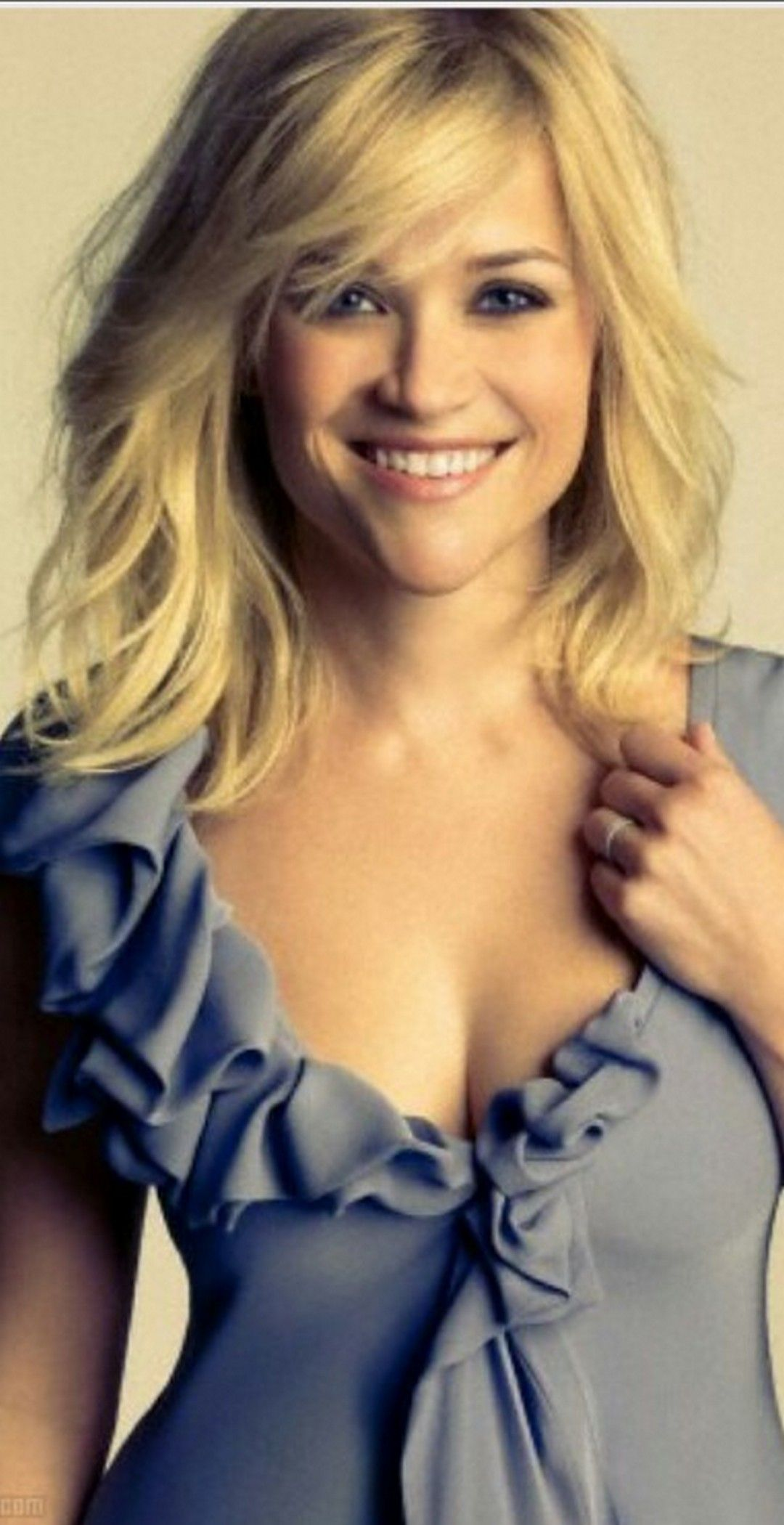 Get the hair look: Reese Witherspoon at the 88th Academy
