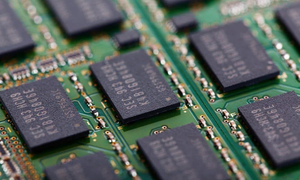Memória NAND Flash vai baixar mais 10% no primeiro trimestre de 2019 | Chip  de memória, Ram, Primeiro trimestre
